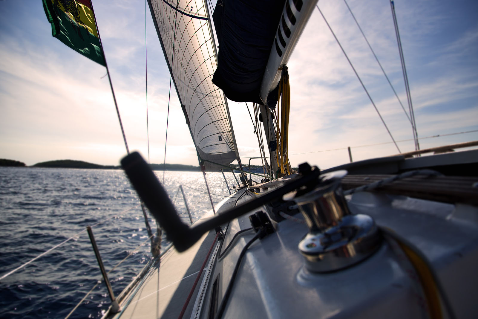 Sailing with sailtrain online RYA courses